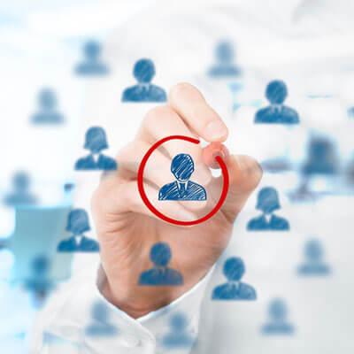 Por qué debes contratar a un community manager